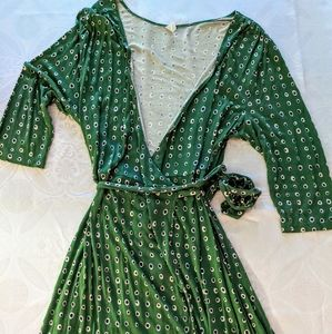 Old Navy XXL Green With Navy/White Polka Dots